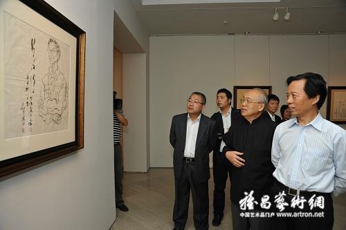 文化部副部长 王文章 参观 风骨李延声大型个展